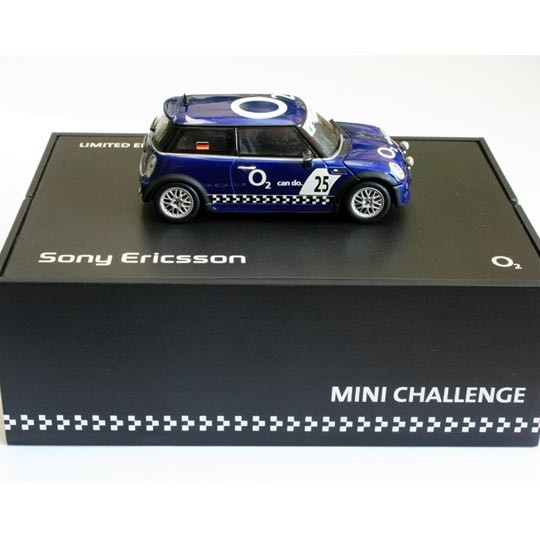 Minichamps | BMW Mini Cooper Mini Challenge Sony & O2 Box
