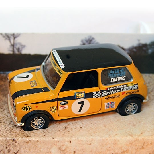 Corgi | Mighty Minis Racing No 7 Peter Crewes