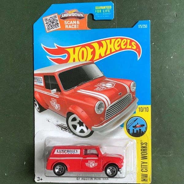 Hot Wheels | Austin Mini Van Campbells Garage red US