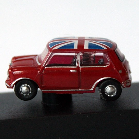 Oxford Diecast | Austin Mini rot mit Union Jack 1:148