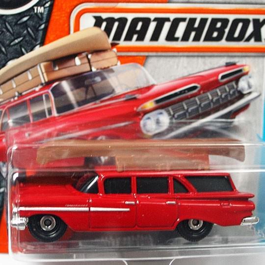 Matchbox | Chevy Wagon mit Kanu rot