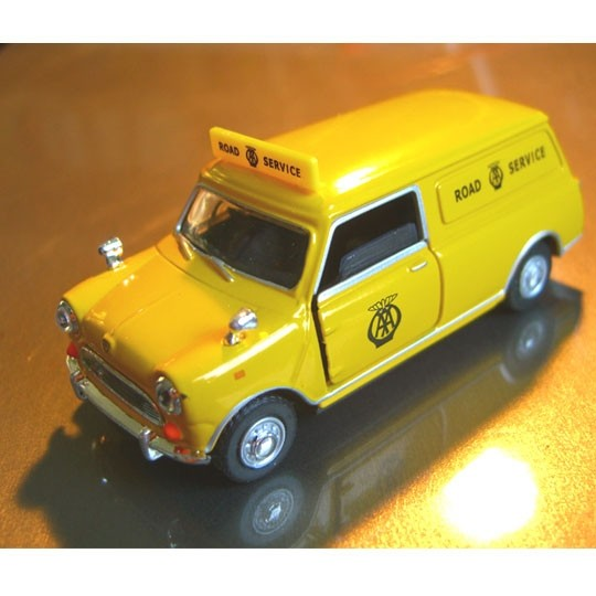Cararama | Mini Van Road Service yellow