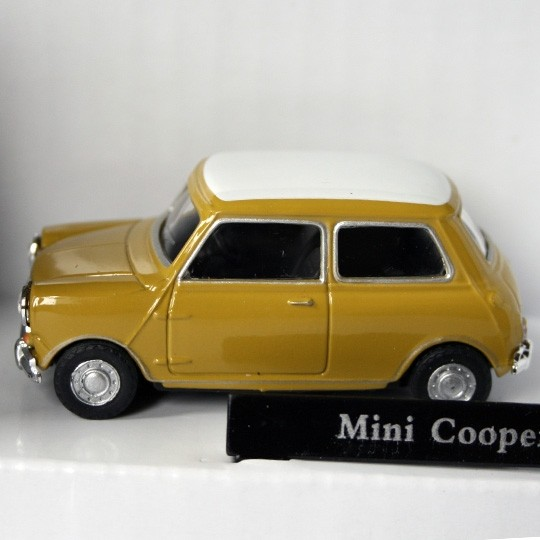 Cararama | Mini Cooper yellow green