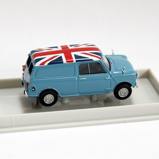 Brekina | Austin Mini Van light blue Union Jack LHD