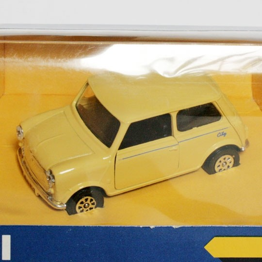 Corgi | Mini 30 City pastel yellow