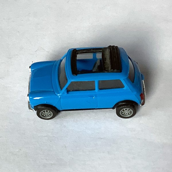 Herpa | Mini Cooper blue with open folding roof without packaging