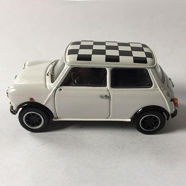 Schuco | Mini Cooper weiß, schwarz/weiß kariertes Dach