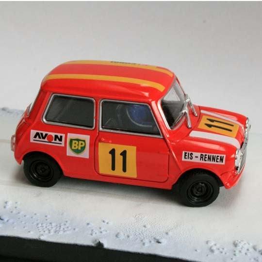 Fabbri Ice Race Mini James Bond Diorama Red Scale 143 Classic